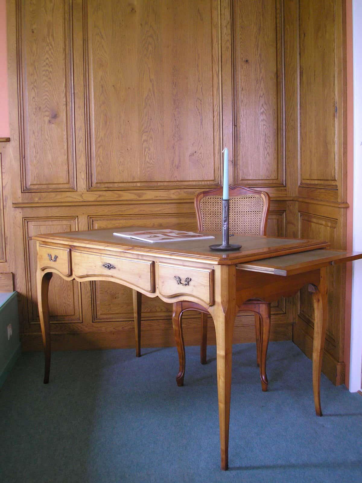 bureau merisier aef. Black Bedroom Furniture Sets. Home Design Ideas