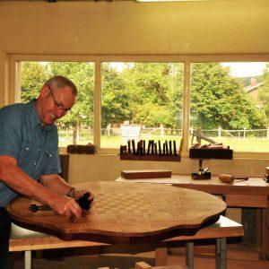 Restauration d'une table à jeu par Etienne SAILLARD